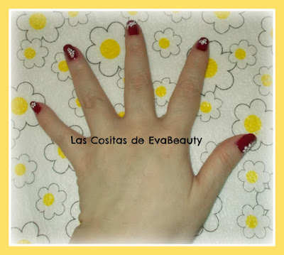 Manicura Masglo con decoracion floral pegatinas uñas nails nailart