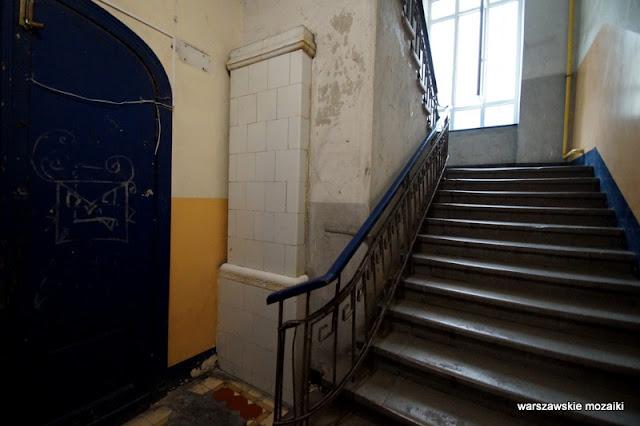 Warszawa Warsaw Praga Północ kamienica architektura stuletnia warszawskie kamienice klatka schodowa schody