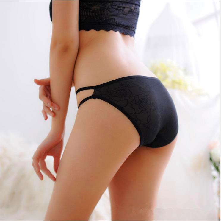 Con gái mặc quần lót có tác dụng gì
