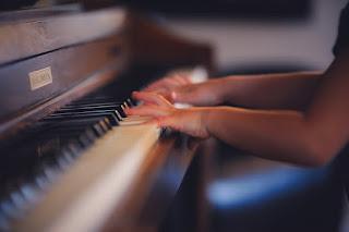 KELAS & PROGRAM SEKOLAH PIANO KYTHARA
