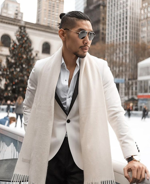 10 Festive Holiday Outfits That Aren't Red or Green