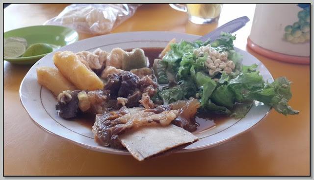 1) Wisata Kuliner di Probolinggo: Tahu Kikil Bakso Probolinggo