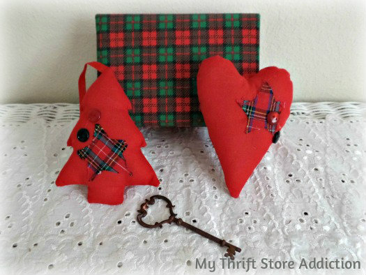 Friday's Find: Last Minute Gifts mythriftstoreaddiction.blogspot.com Red plaid Christmas ornaments available on Etsy:Thrift Store Addiction