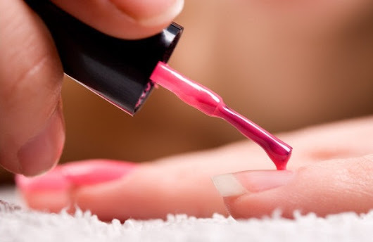 Everything You Need to Know While Applying Nail Polish