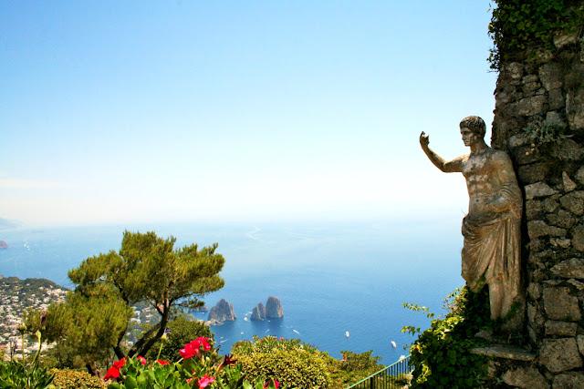 Monte Solaro, statua, mare, acqua, panorama Faraglioni, vegetazione, cielo