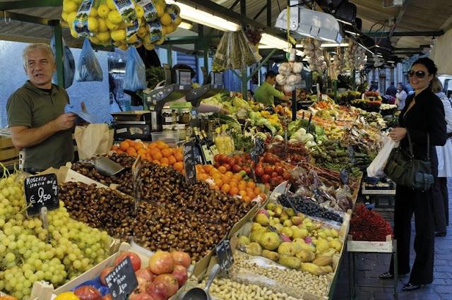 Der faszinierend bunte Obstmarkt in den Bozner Lauben