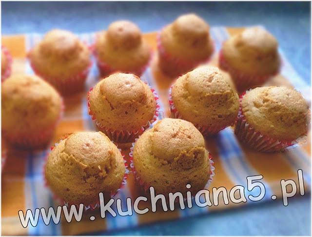 puszyste muffinki śmietankowe