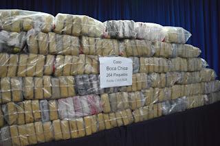DNCD DECOMISA 264 PAQUETES DE DROGAS PRESUMIBLE MENTE COCAÍNA AL SUR DE SANTO DOMING