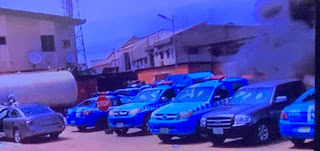 Breaking : Lagos Sector Command FRSC and VIO Offices Under Attack Now