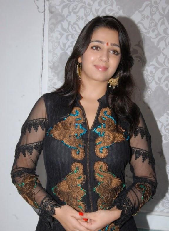 Coogled Actress Charmi Kaur Hd Wallpapers-8496