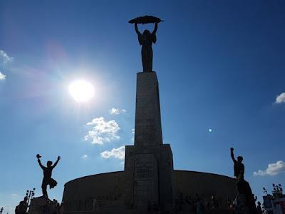 Estatua de la Libertad en Hungría