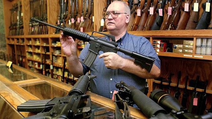 Az ohiói kormányzó új törvényt javasol a fegyvertartás ellenőrzésére