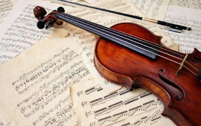 Sekarang ini dunia musik semakin berkembang seiring berkembangnya teknologi dan zaman Macam Macam Alat Musik Barat (Melodis, Harmonis, dan Ritmis)