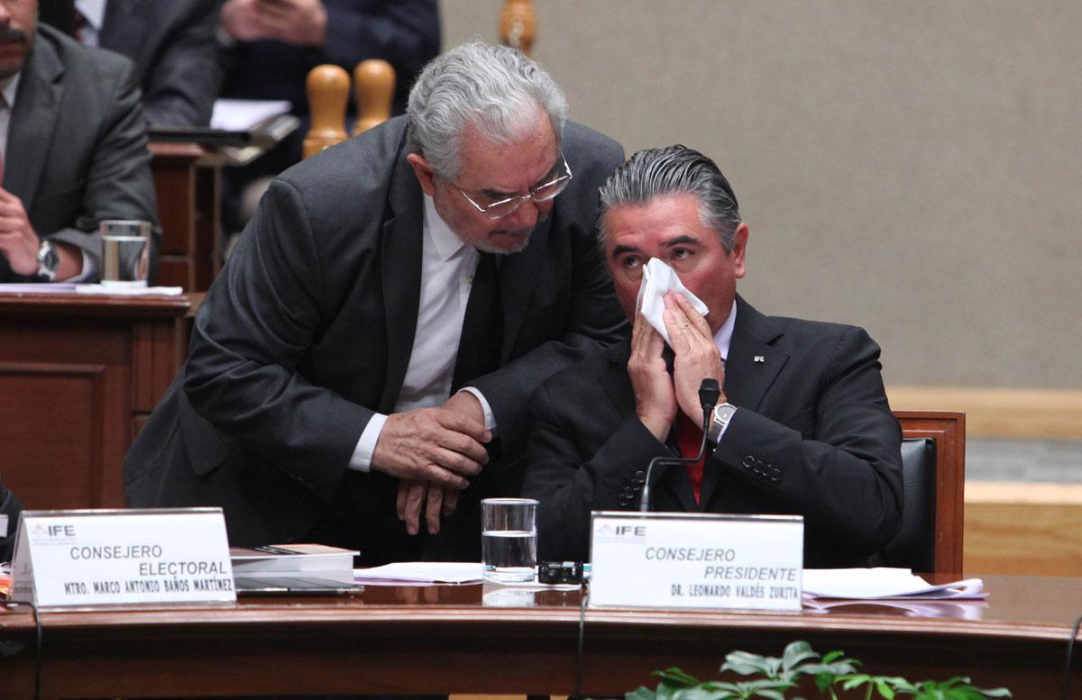 "PRI sí usó tarjetas Monex, sí ""dispersó"" 70 MDP… pero IFE lo exonera."