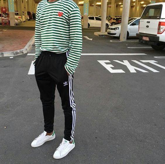 03) Calça Esportiva no Visual Street Se a gente pegar referências de looks  na pegada Streetwear atual e04dfbde51afd