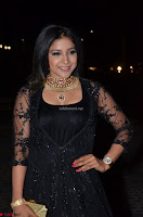 Sakshi Agarwal looks stunning in all black gown at 64th Jio Filmfare Awards South ~  Exclusive 117.JPG