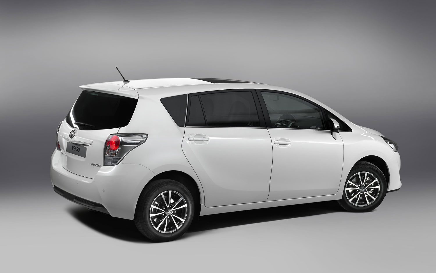 2013 toyota auris touring sports cars sketches. Black Bedroom Furniture Sets. Home Design Ideas