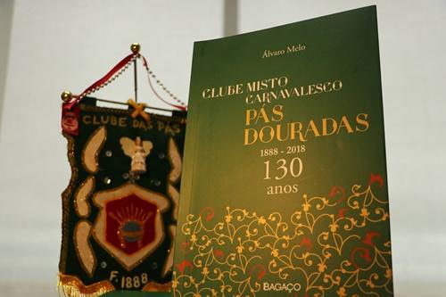 'Clube Misto Carnavalesco das Pás Douradas - 130 anos' é lançado no Paço Frevo