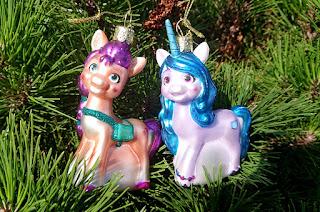 Vondels Sunny & Izzy Christmas Ornament Review