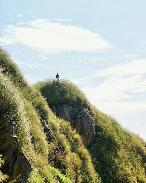 foto keren gunung batu jonggol bogor
