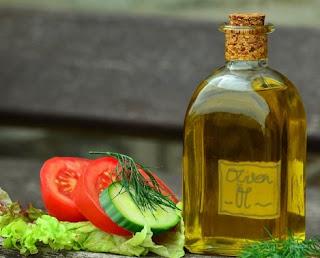 gambar Masker alami dari minyak zaitun dan lemon