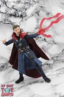 S.H. Figuarts Doctor Strange (Battle On Titan Edition) 40