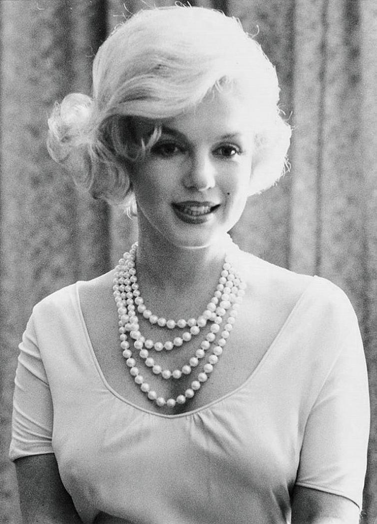 Marilyn Monroe Living Room Decor: Wellknown Celebrities