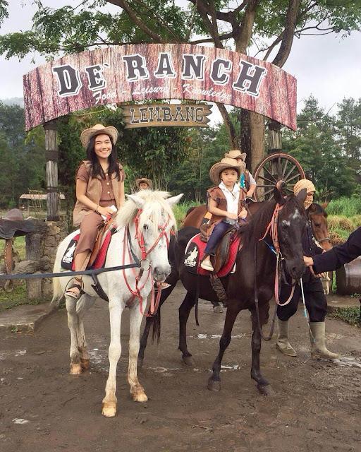 foto koboi di de'ranch lembang bandung