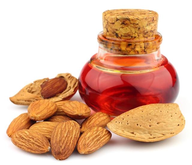 21 Manfaat Minyak Almond Manis Yang Sangat Baik Untuk Kulit, Rambut & Kesehatan
