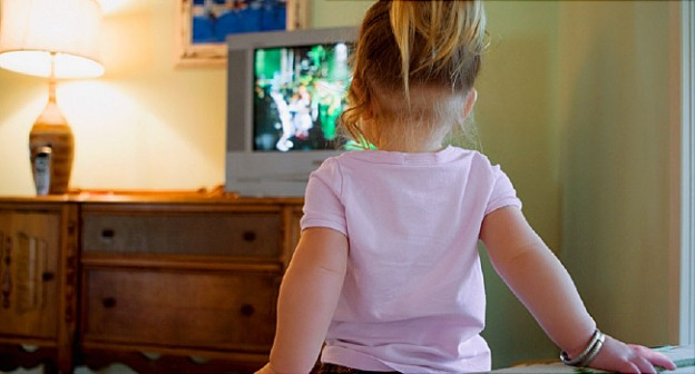 Too Much Screen Time May Be Stunting Toddlers' Brains