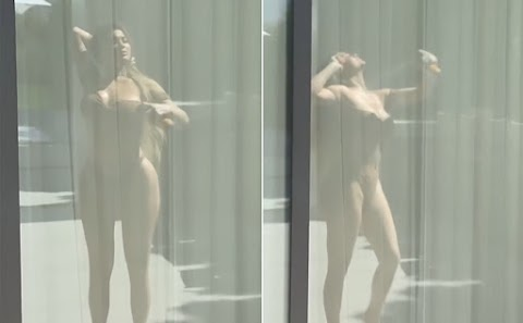 Kylie Jenner bị phát hiện dùng kem chống nắng bình dân dạng xịt
