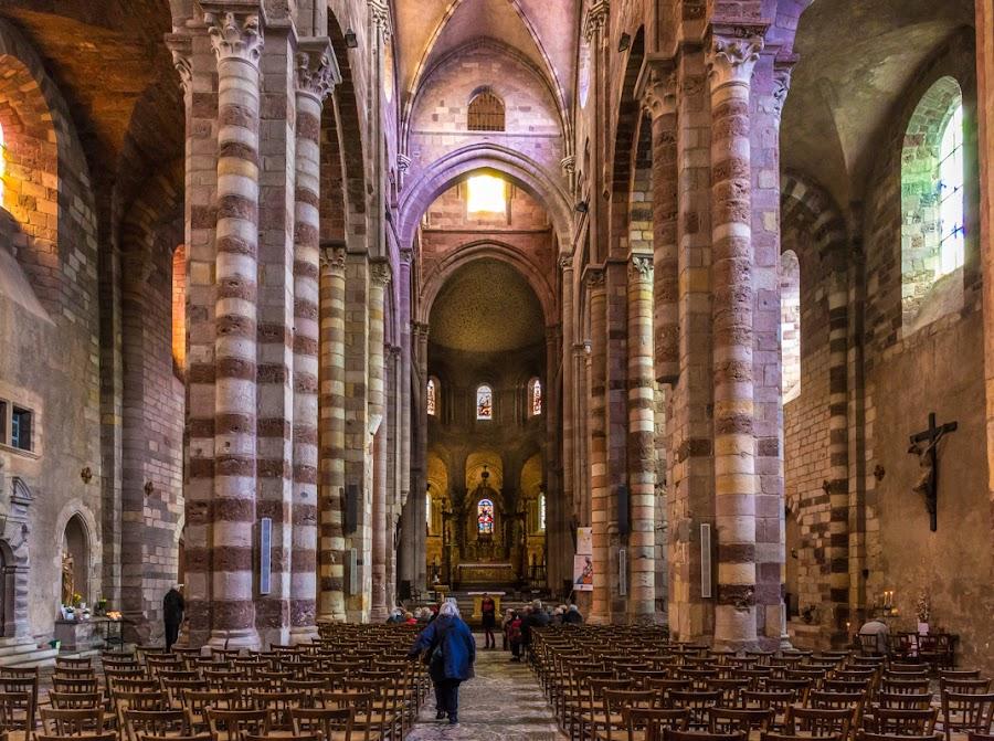 Inside Saint-Julien de Brioude