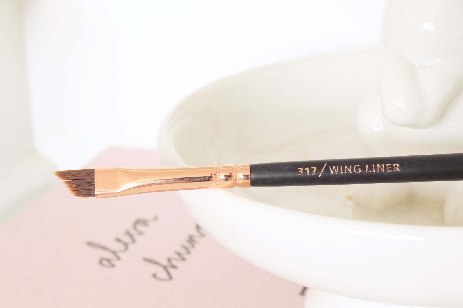 Zoeva Rose Gold 317 Wing Brush