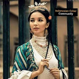 """<img src=""""FortunaNetworks.Com.jpg"""" alt=""""[Video] Fakta Unik Etnik Uyghur Yang Melahirkan Wanita Cantik Seperti Bidadari"""">"""