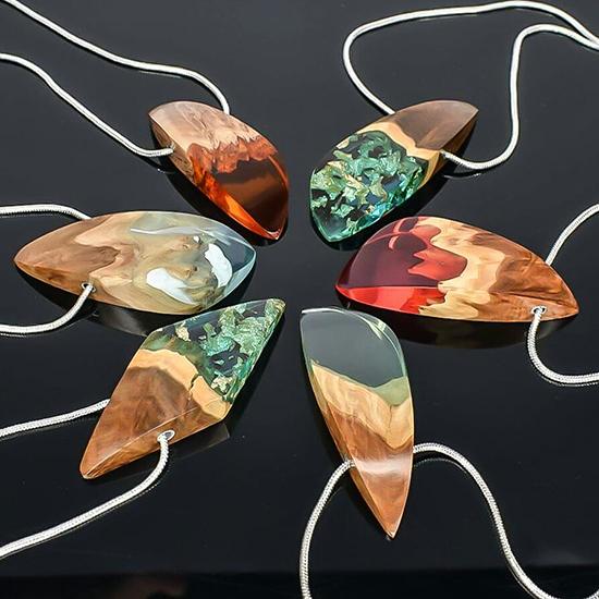 berbagai gambar kalung unik dari epoxy resin