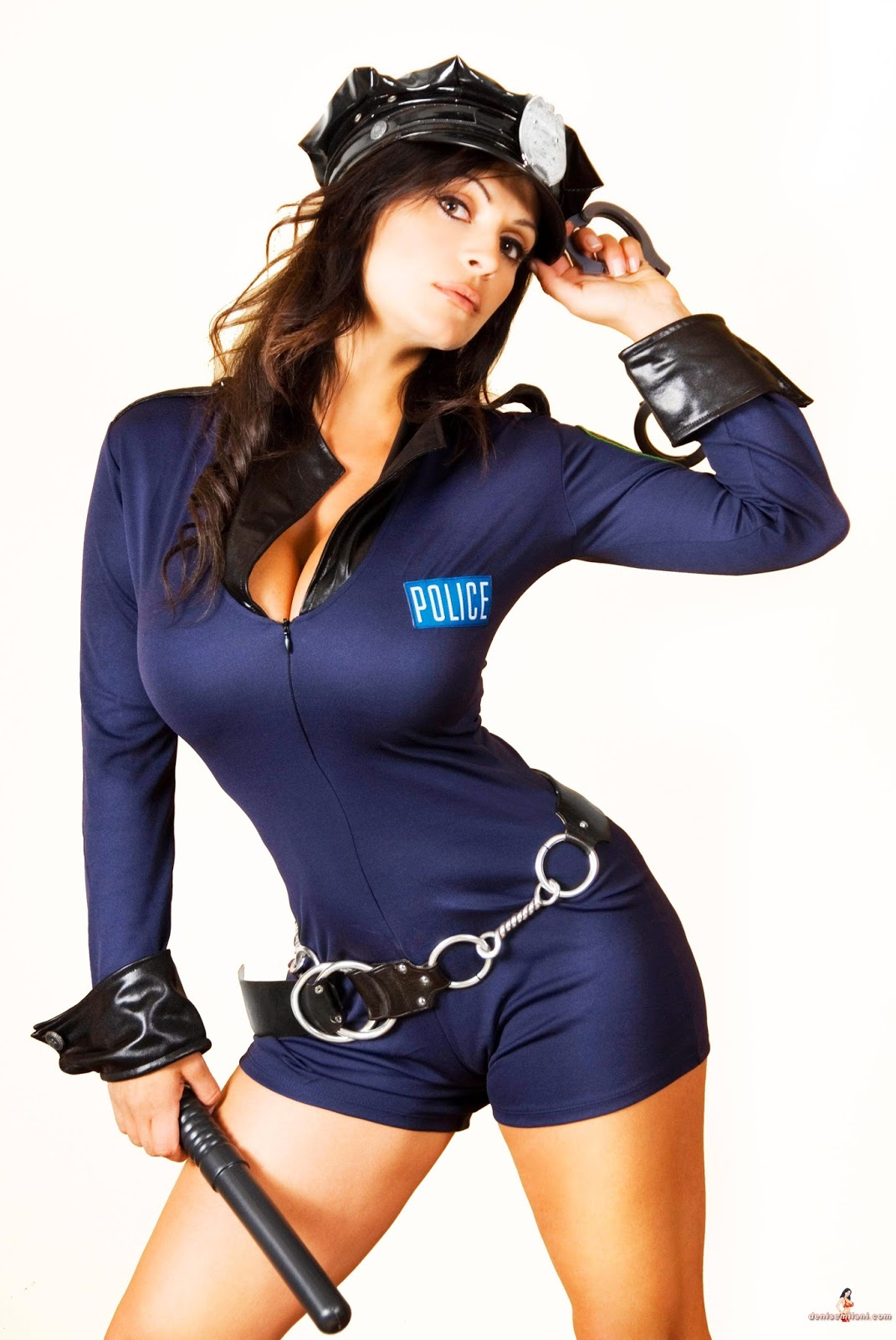 police-women-photo-nude
