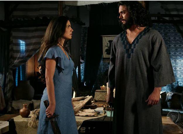 Figurino Aruna (Thais Melchior) A terra prometida, cena com Josué