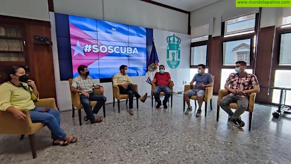 El Cabildo recibe a los representantes del colectivo de cubanos de la isla de La Palma