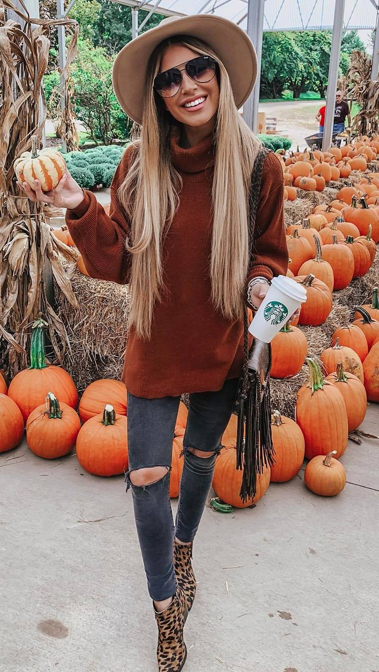 fall outfit idea / knit sweater + ripped jeans + bag + boots + beige hat