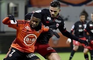 الدوري الفرنسي 2016/2017 مهدي عبيد يمرر الكرة الحاسمة للفوز في لقاء لوريون