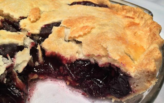How to Make Sweet Cherry Pie
