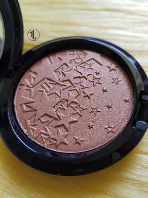 M.A.C Starring You Opalescent Powder 'Rising Star' - www.modenmakeup.com