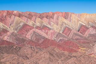 https://commons.wikimedia.org/wiki/File:Serran%C3%ADa_de_Hornocal_up_close_near_Humahuaca.jpg