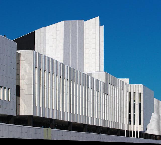 Finlandia Hall yang terkenal