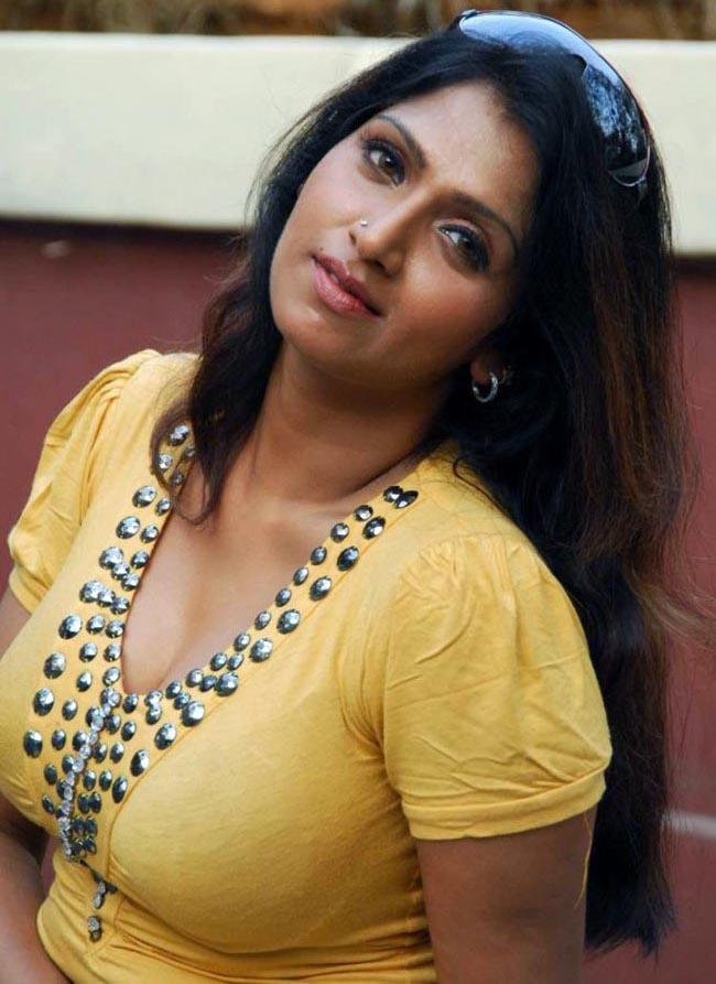 Hot And Sexy Bhuvaneswari Actress Image Gallery  Hot -3653
