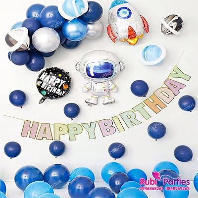 Cửa hàng bán phụ kiện trang trí sinh nhật tại Hàng Bột