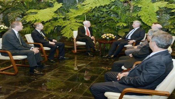 Cuba y Reino Unido buscan negociar pese a sanciones de EE.UU.