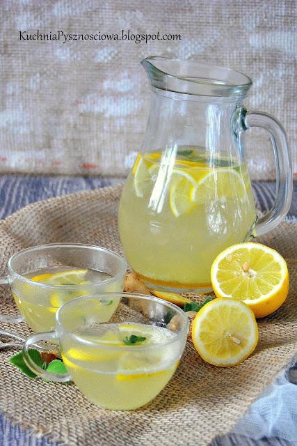 482. Lemoniada na gorąco z imbirem, cytryną i miodem