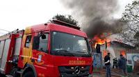 Morador é resgatado de incêndio
