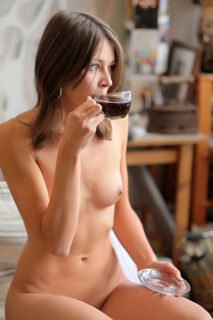 голые девушки утром